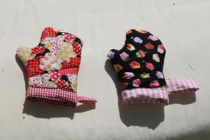 oven mitts for tha play kitchen